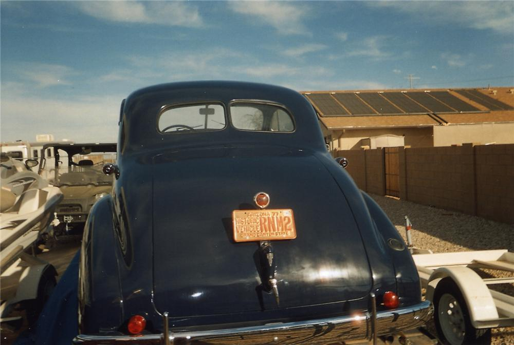 1938 OLDSMOBILE CUSTOM CLUB COUPE - Rear 3/4 - 139397