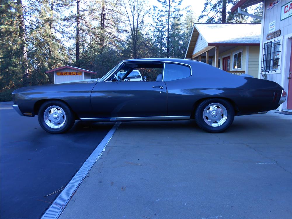 1970 CHEVROLET CHEVELLE CUSTOM 2 DOOR HARDTOP - Side Profile - 139406