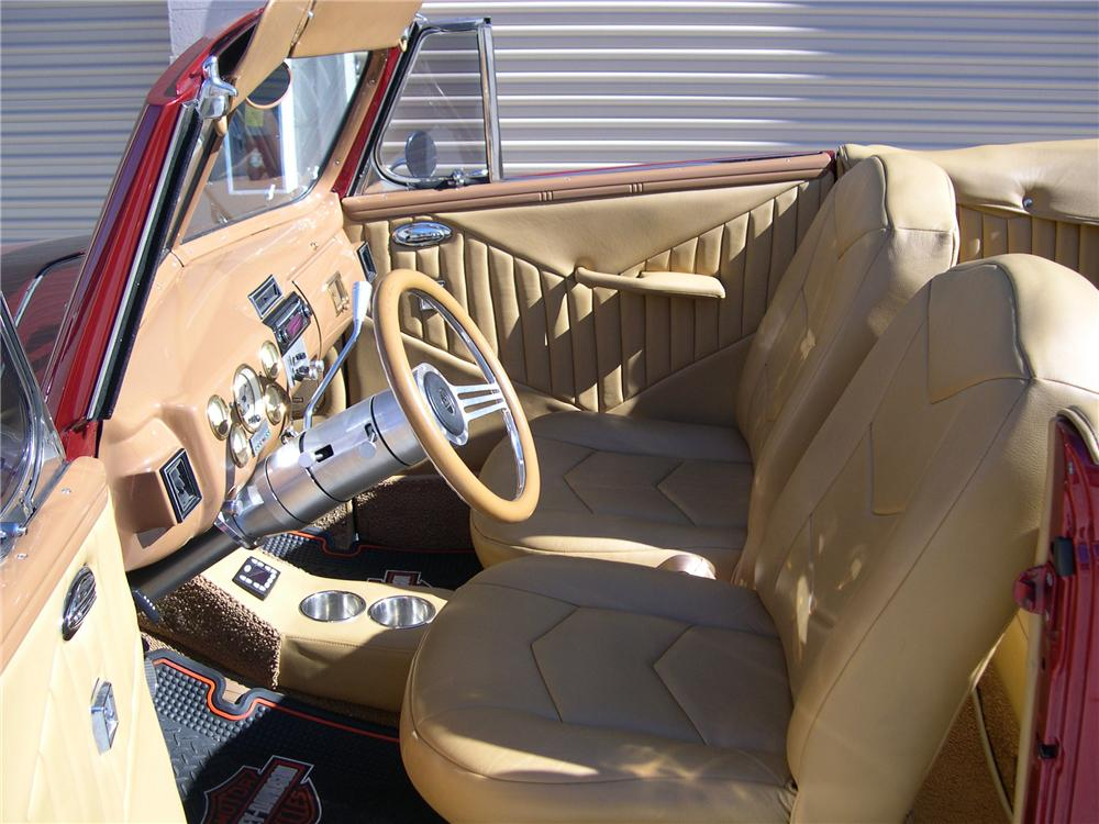 1940 FORD SPORTSMAN CONVERTIBLE - Interior - 139414