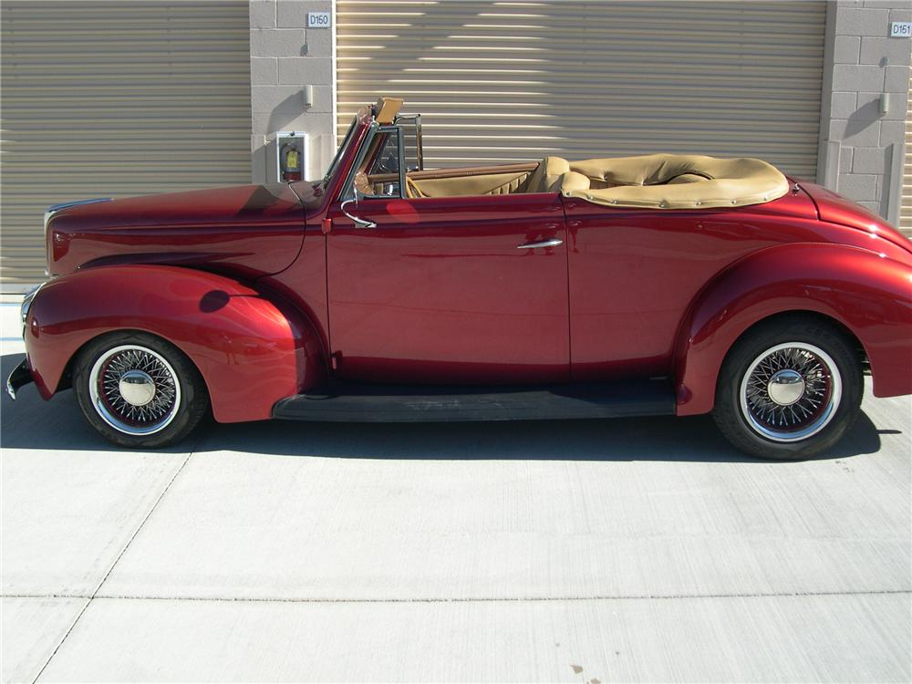 1940 FORD SPORTSMAN CONVERTIBLE - Side Profile - 139414