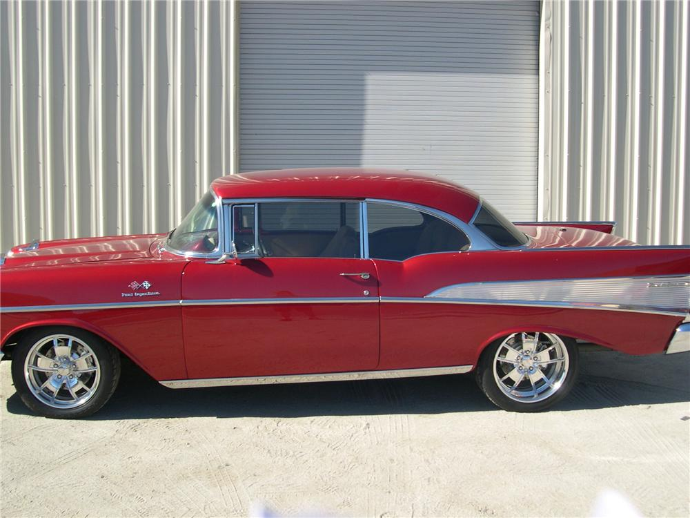 1957 CHEVROLET 210 CUSTOM 2 DOOR HARDTOP - Side Profile - 139415