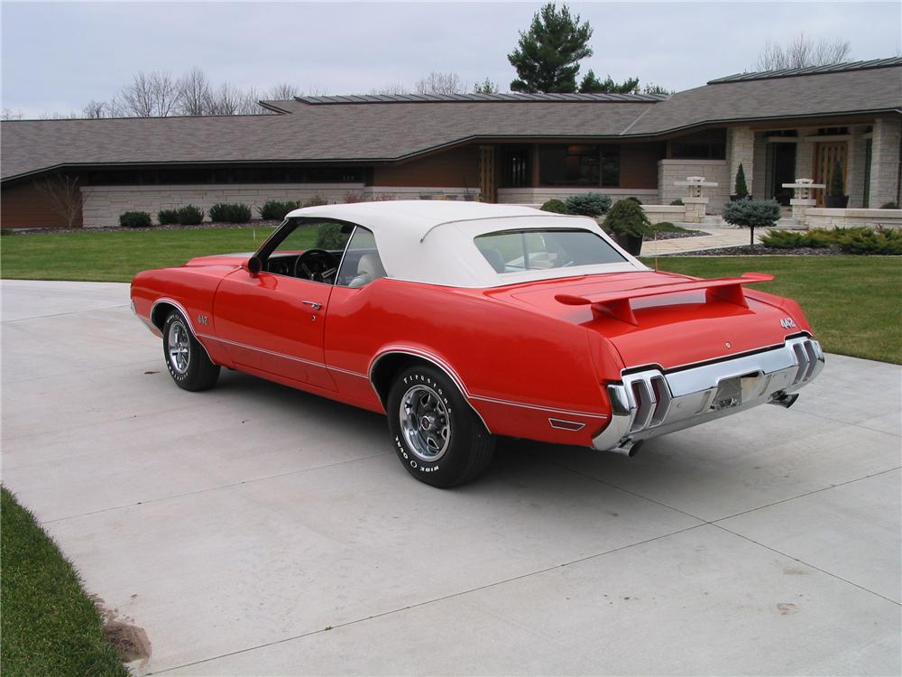 1970 OLDSMOBILE 442 CONVERTIBLE - Rear 3/4 - 139422
