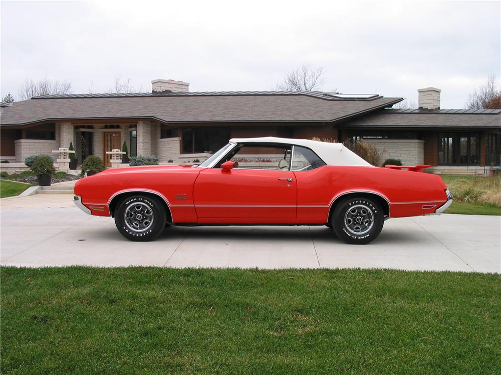 1970 OLDSMOBILE 442 CONVERTIBLE - Side Profile - 139422