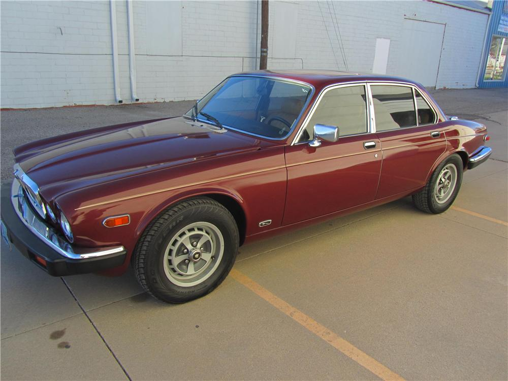 1983 JAGUAR XJ 6 4 DOOR SEDAN - Front 3/4 - 139477