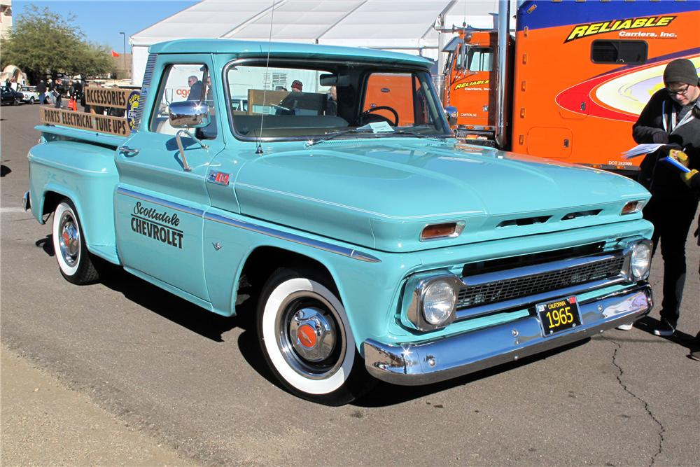 1965 CHEVROLET C-10 CUSTOM PICKUP - Front 3/4 - 139484