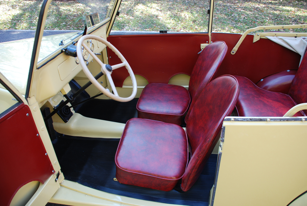 1942 CROSLEY CONVERTIBLE - Interior - 139507