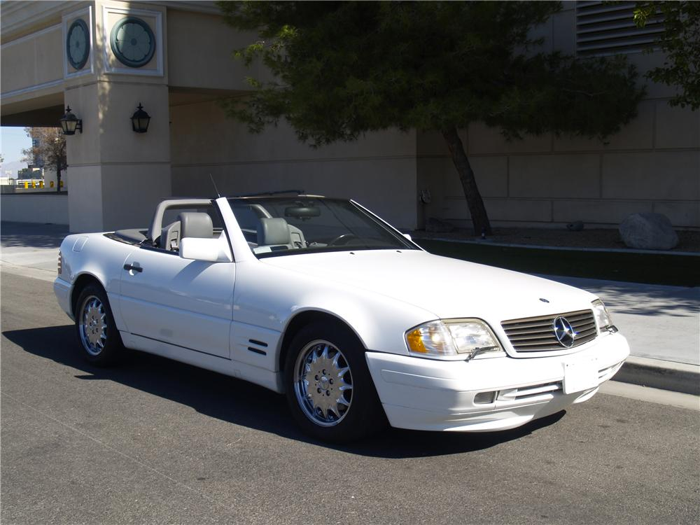 1996 MERCEDES-BENZ 500SL CONVERTIBLE - Front 3/4 - 139911