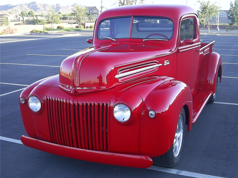 1946 FORD CUSTOM PICKUP - Front 3/4 - 139927