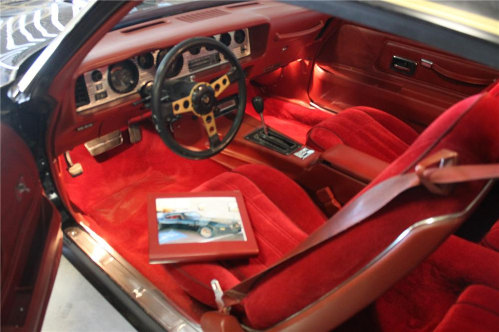 1977 PONTIAC TRANS AM CUSTOM 2 DOOR COUPE - Interior - 139933