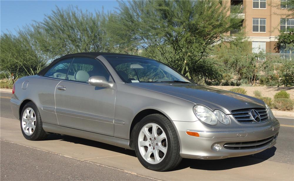 2004 MERCEDES-BENZ CLK 320 CONVERTIBLE - Front 3/4 - 141813