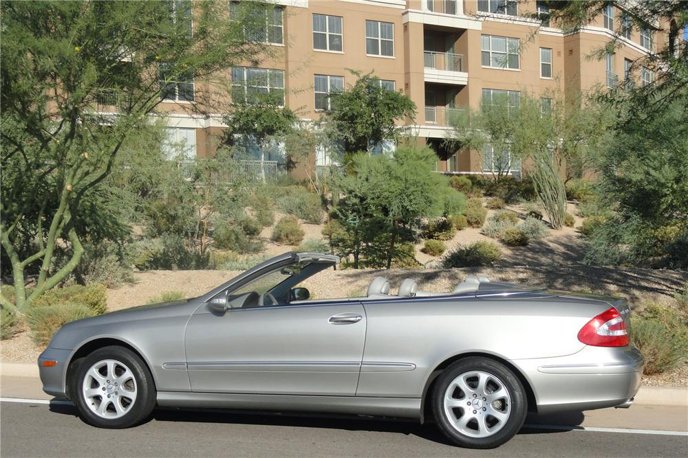 2004 mercedes benz clk 320 convertible 141813. Black Bedroom Furniture Sets. Home Design Ideas