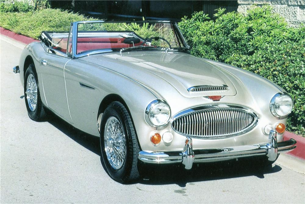 1965 AUSTIN-HEALEY 3000 MARK III BJ8 CONVERTIBLE - Front 3/4 - 151330