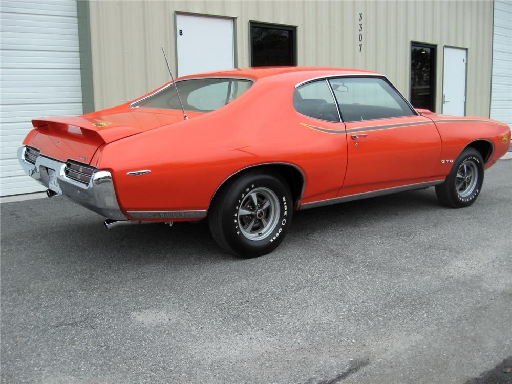1969 PONTIAC GTO JUDGE 2 DOOR COUPE - Rear 3/4 - 151337