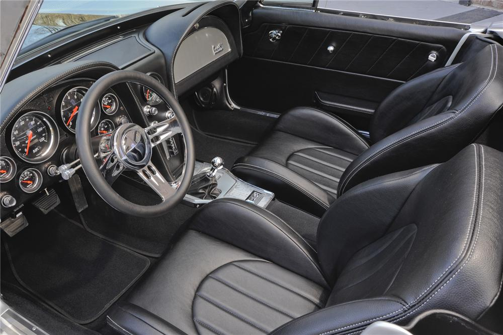 1965 CHEVROLET CORVETTE CONVERTIBLE - Interior - 151356