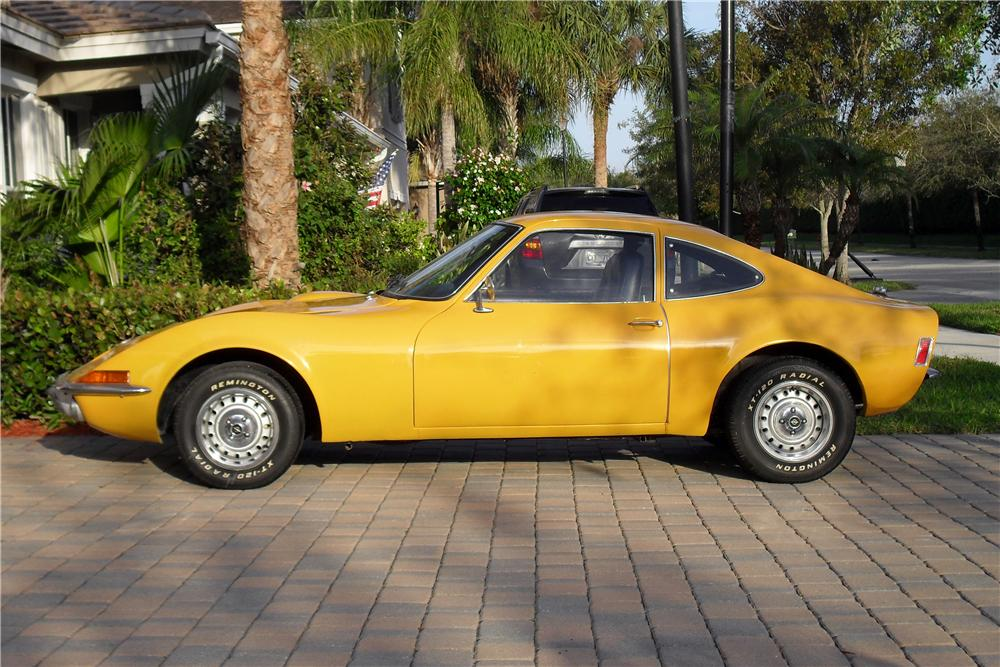 1972 OPEL GT 2 DOOR COUPE 151363 on model 3 rear view