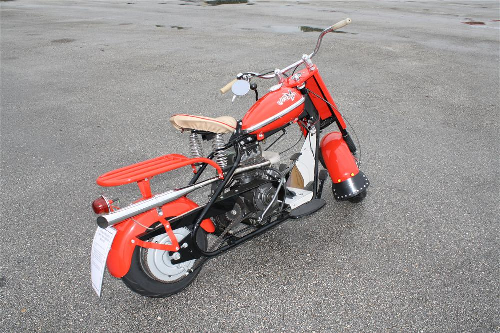 1959 CUSHMAN EAGLE SCOOTER - Rear 3/4 - 151372