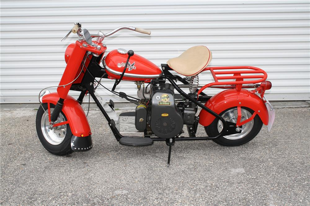 1959 CUSHMAN EAGLE SCOOTER - Side Profile - 151372