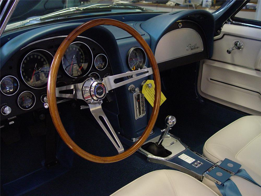 1965 CHEVROLET CORVETTE CONVERTIBLE - Interior - 151393