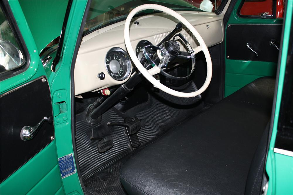 1954 CHEVROLET 3100 PICKUP - Interior - 151423