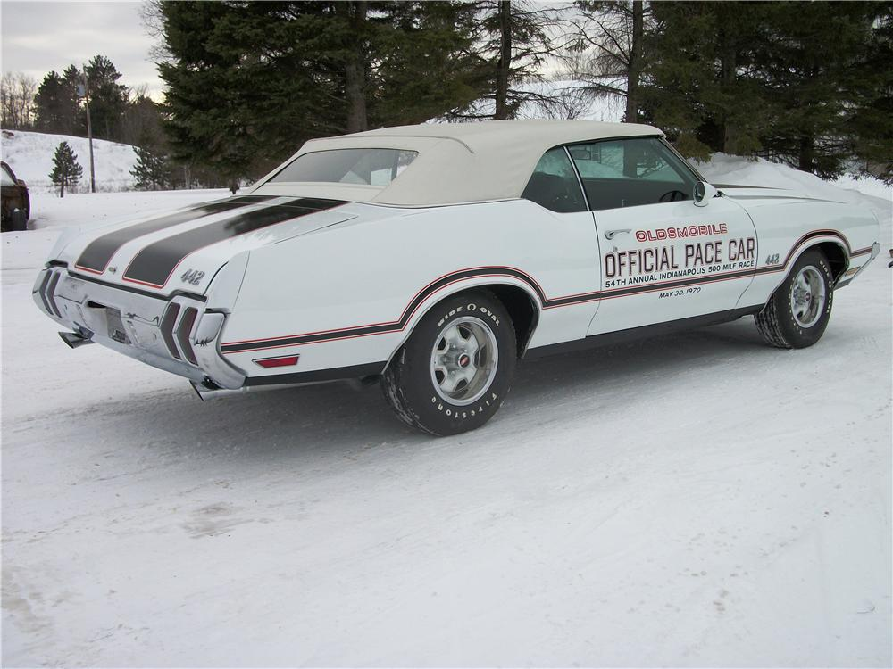 1970 OLDSMOBILE CUTLASS 442 PACE CAR CONVERTIBLE - Rear 3/4 - 151438