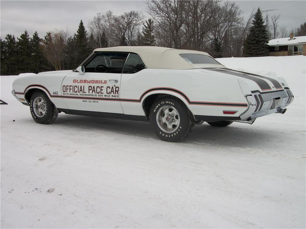 1970 OLDSMOBILE CUTLASS 442 PACE CAR CONVERTIBLE - Side Profile - 151438