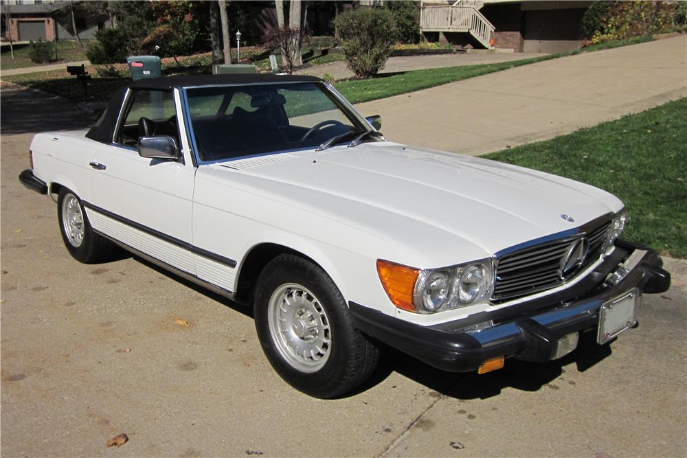 1978 MERCEDES-BENZ 450SL CONVERTIBLE - Front 3/4 - 151442