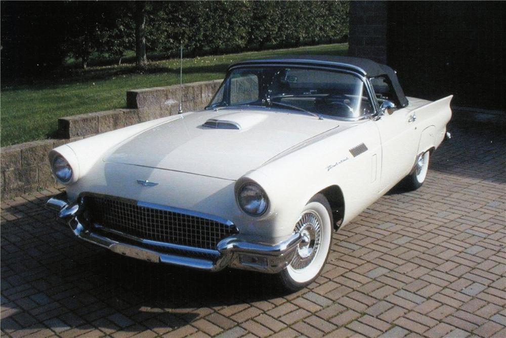 1957 FORD THUNDERBIRD CONVERTIBLE - Front 3/4 - 151443