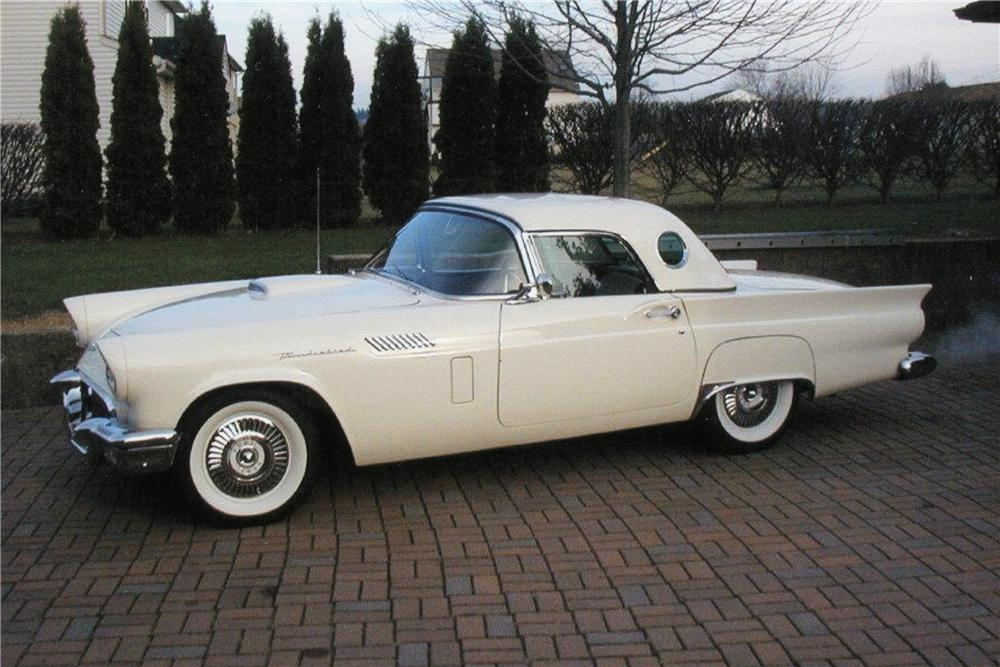 1957 FORD THUNDERBIRD CONVERTIBLE - Side Profile - 151443