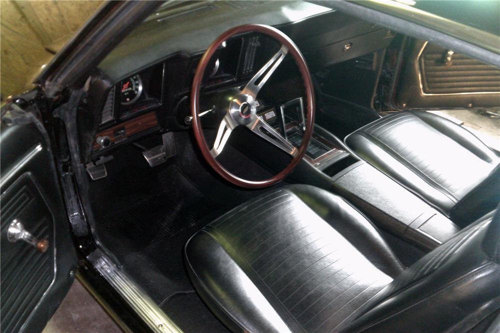 1969 CHEVROLET CAMARO CUSTOM 2 DOOR COUPE - Interior - 151444