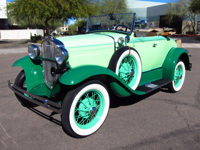 1930 FORD MODEL A DELUXE ROADSTER - Front 3/4 - 151449