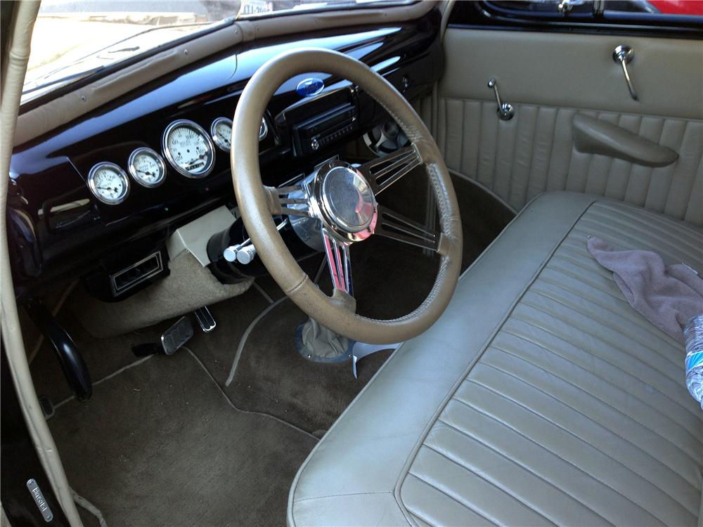 1941 FORD BUSINESS CUSTOM 2 DOOR COUPE - Interior - 151455