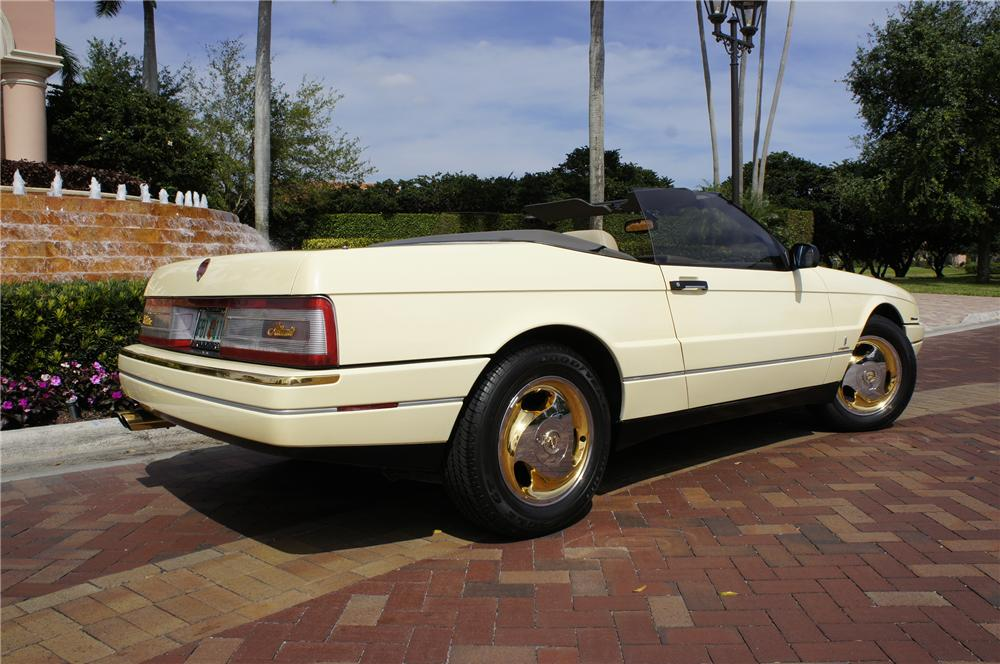 1993 CADILLAC ALLANTE CONVERTIBLE - Rear 3/4 - 151477