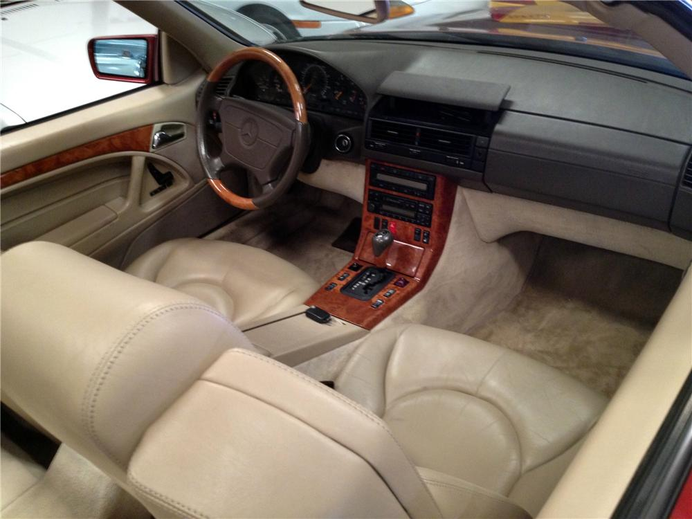 1997 MERCEDES-BENZ SL500 CONVERTIBLE - Interior - 151582