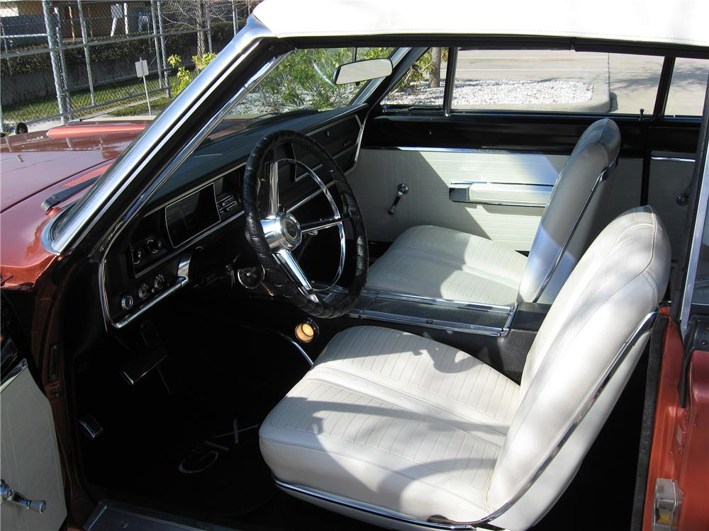 1967 PLYMOUTH GTX CONVERTIBLE - Interior - 151602