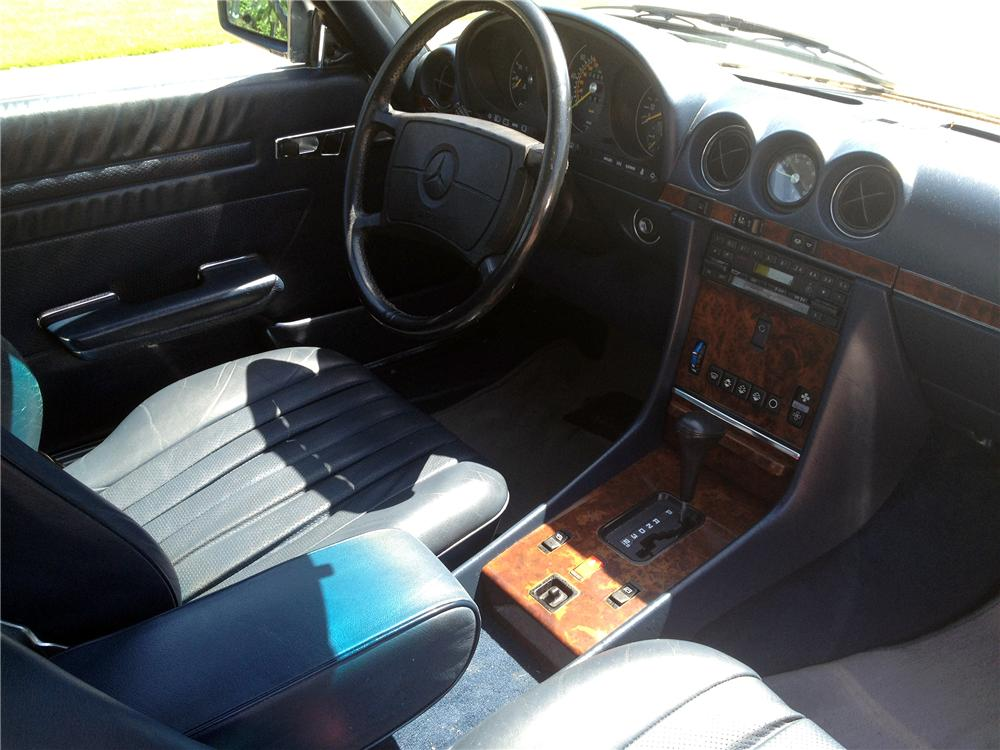 1986 MERCEDES-BENZ 560SL CONVERTIBLE - Interior - 151622