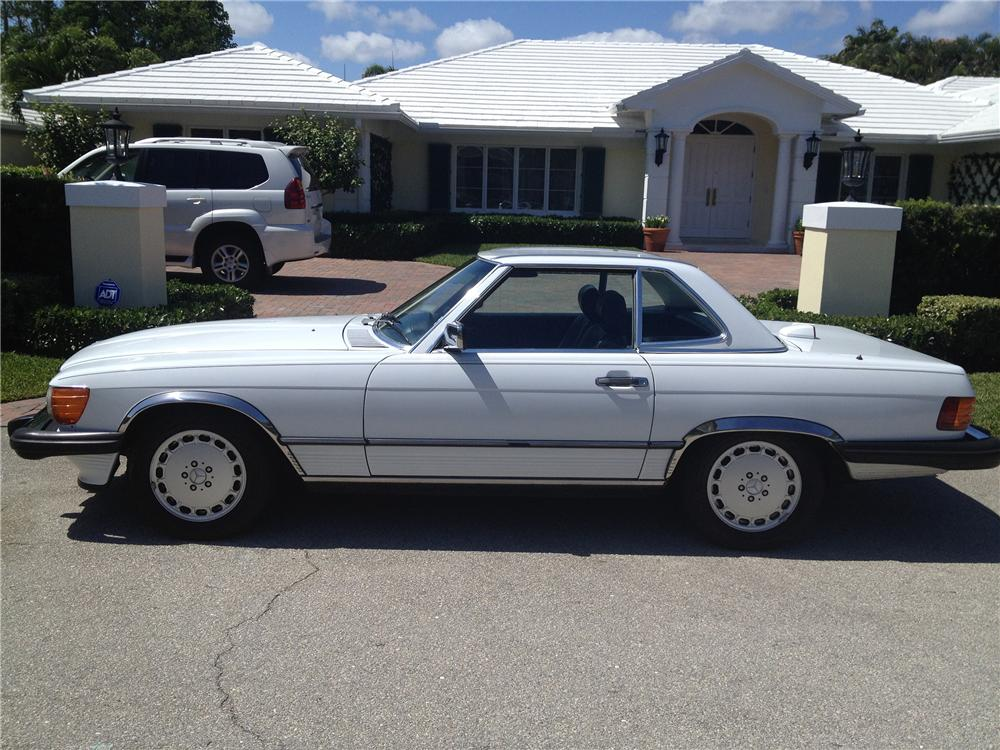 1986 MERCEDES-BENZ 560SL CONVERTIBLE - Side Profile - 151622