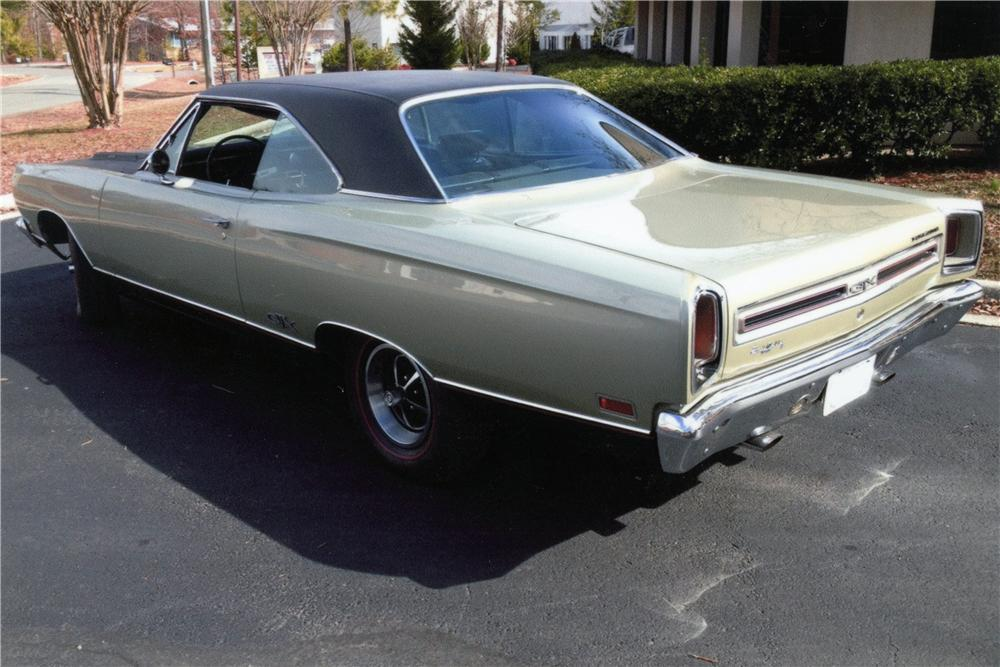 1969 PLYMOUTH GTX 2 DOOR HARDTOP - Rear 3/4 - 151661