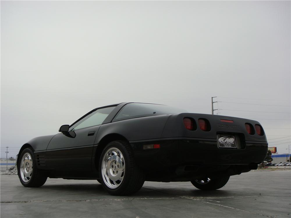 1992 CHEVROLET CORVETTE 2 DOOR COUPE - Rear 3/4 - 151696