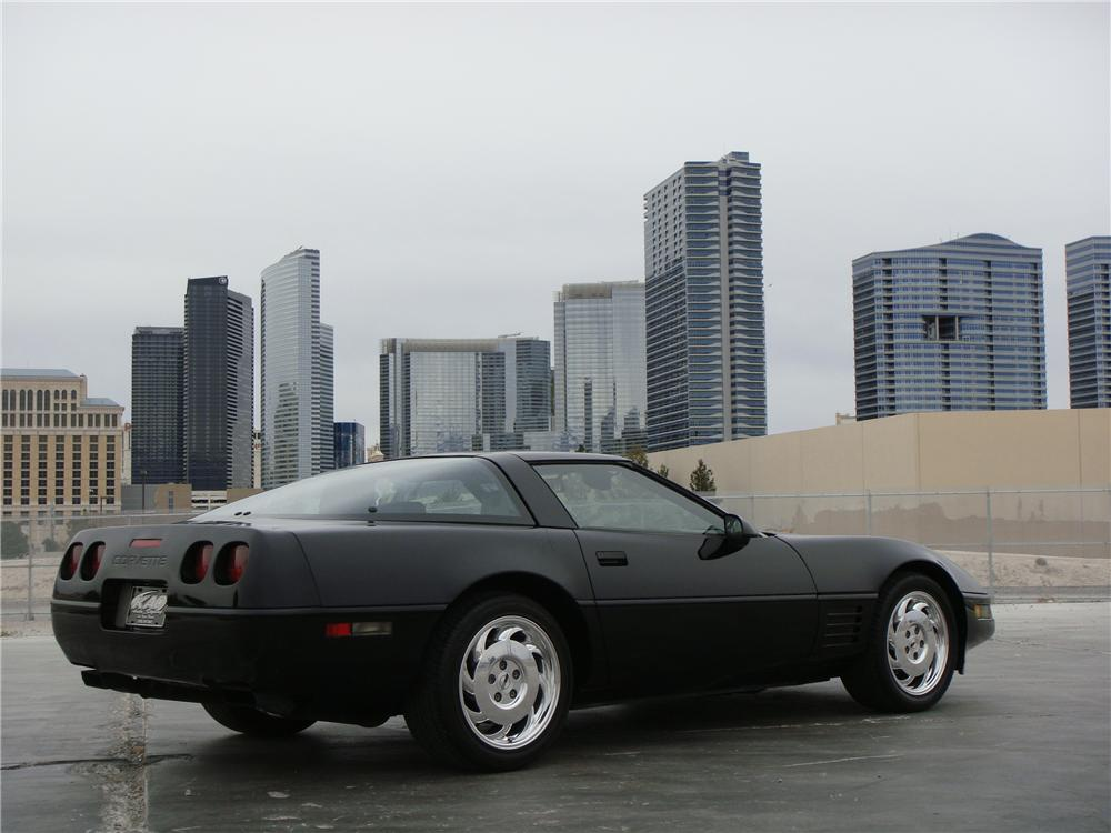 1992 CHEVROLET CORVETTE 2 DOOR COUPE - Side Profile - 151696