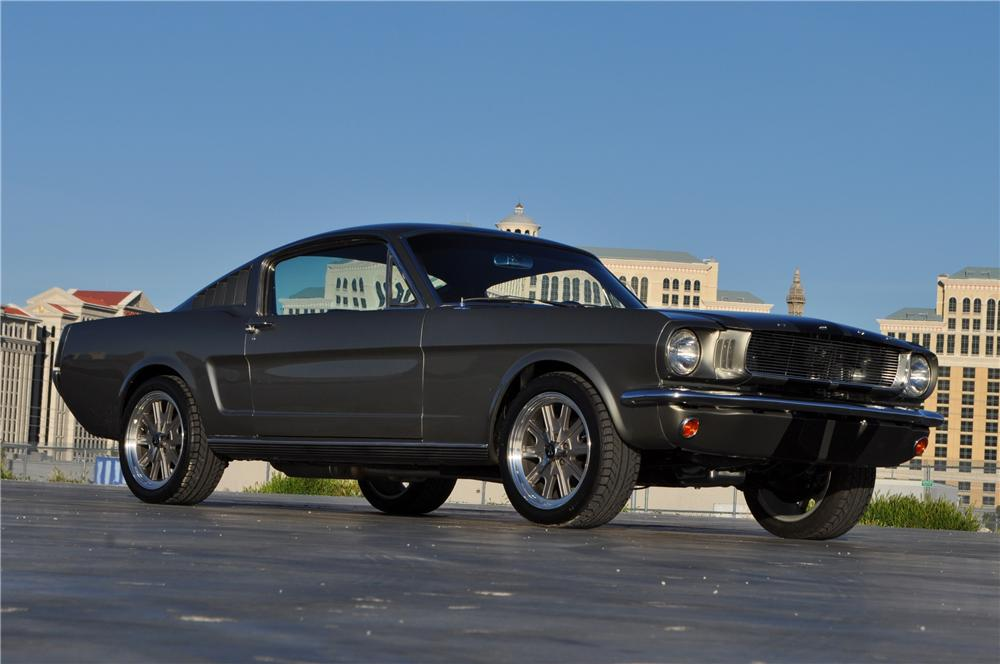 1965 FORD MUSTANG CUSTOM FASTBACK - Front 3/4 - 151700