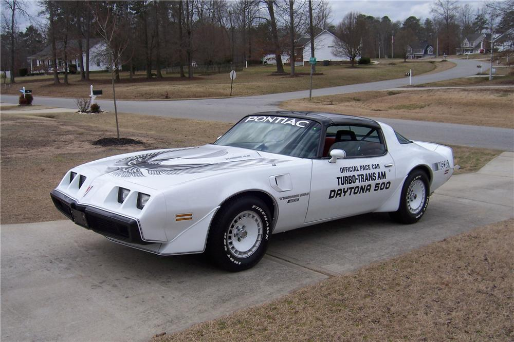 1981 PONTIAC FIREBIRD TRANS AM 2 DOOR COUPE - Front 3/4 - 151715