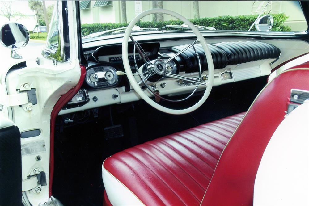 1957 MERCURY MONTCLAIR CONVERTIBLE - Interior - 151722