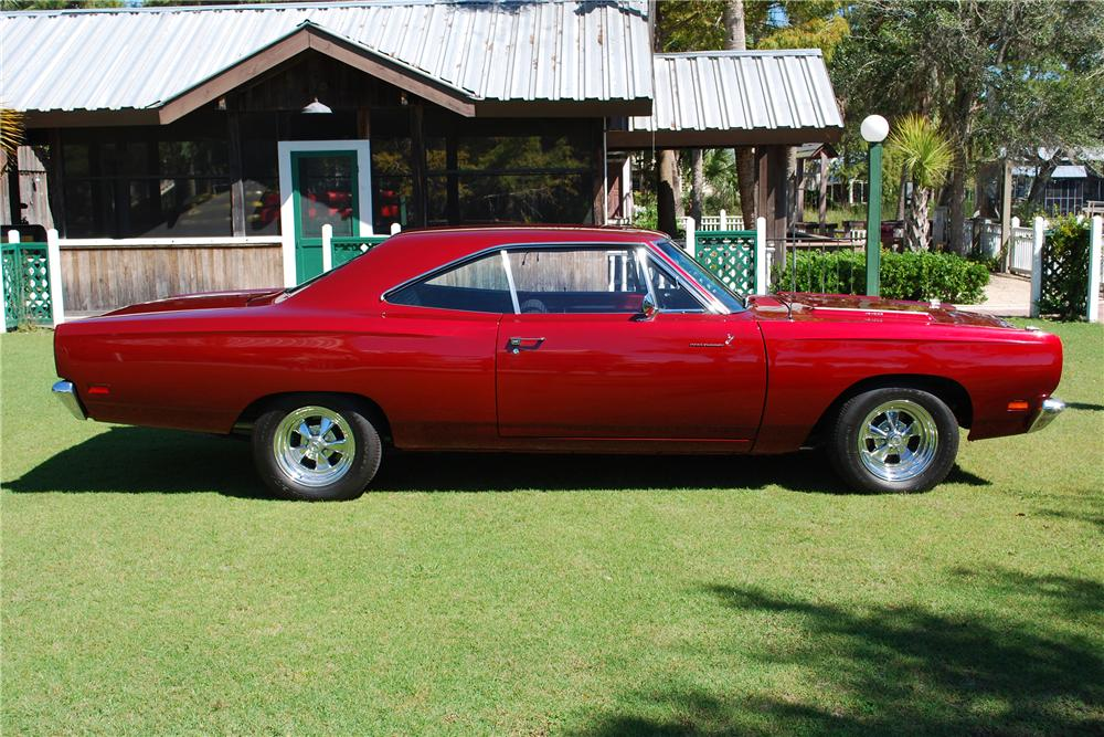 1969 PLYMOUTH ROAD RUNNER 2 DOOR HARDTOP - Side Profile - 151732