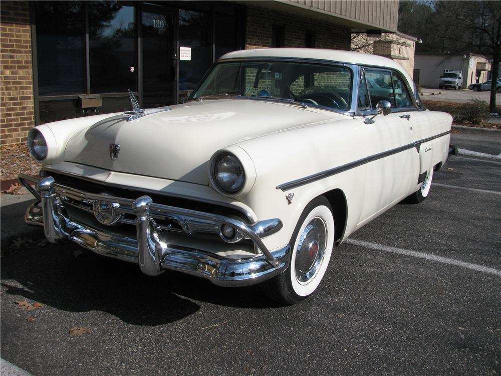 1954 FORD VICTORIA CUSTOM 2 DOOR COUPE - Front 3/4 - 151881