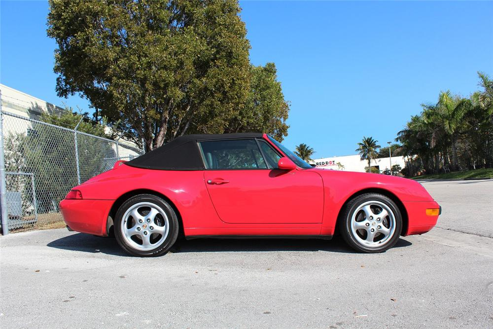 1995 PORSCHE 911 CONVERTIBLE - Side Profile - 151932