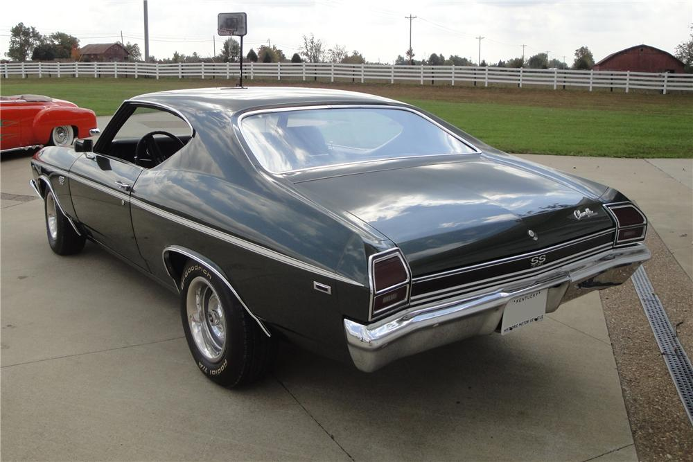 1969 CHEVROLET CHEVELLE MALIBU 2 DOOR HARDTOP - Rear 3/4 - 151956