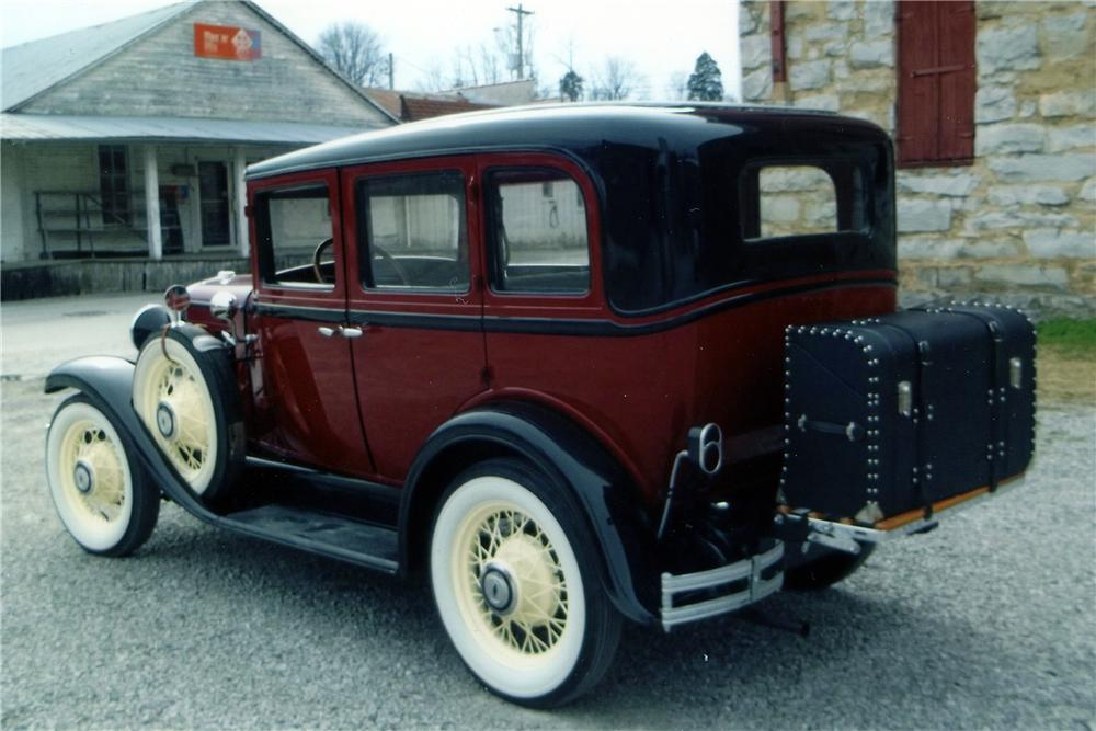 1930 CHEVROLET 4 DOOR SEDAN - Rear 3/4 - 152005