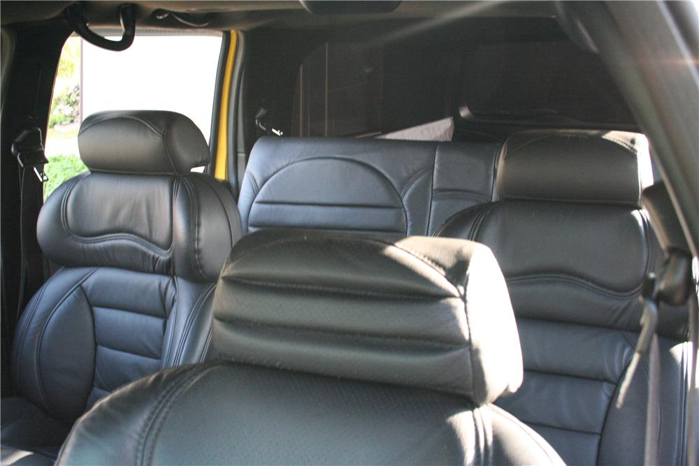 2004 FORD F-650 SD SUV - Interior - 152011