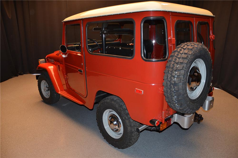 1975 TOYOTA LAND CRUISER FJ-40 HARDTOP - Rear 3/4 - 152012