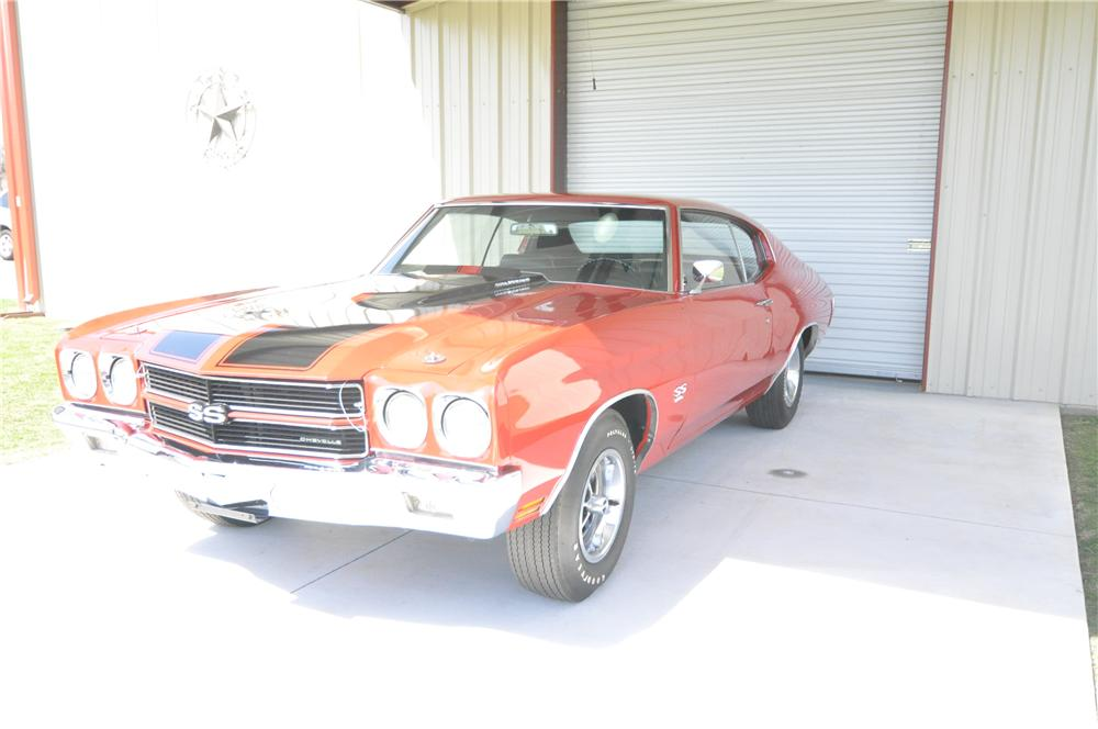 1970 CHEVROLET CHEVELLE SS 396 2 DOOR COUPE - Front 3/4 - 152035